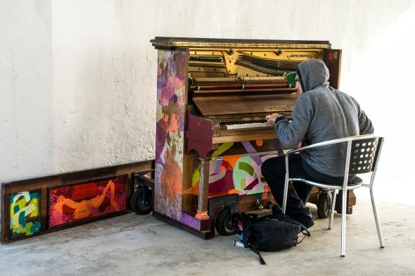 Piano Player, Wynyard Quarter, Auckland, New Zealand, Copyright Chris Gregory 2012