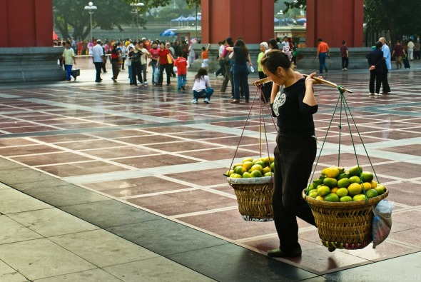 Grapefruit Vendor, Chongqing, China, Copyright Chris Gregory 2008
