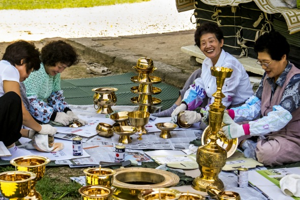 Brass Cleaners, Gyeongju, South Korea, Copyright Chris Gregory 2008