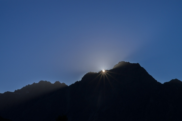 Sunrise, Mt Wakefield, New Zealand, Copyright Chris Gregory 2013