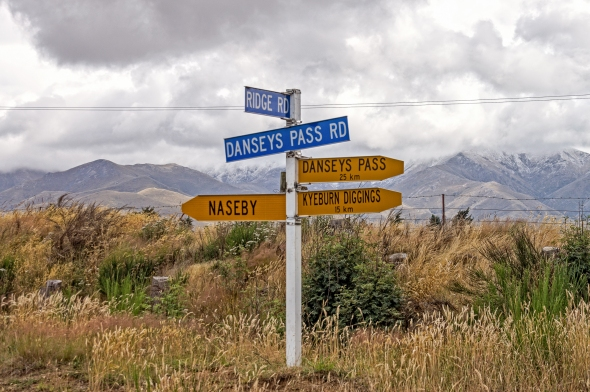 Naseby This Way, Central Otago, New Zealand, Copyright Chris Gregory 2013